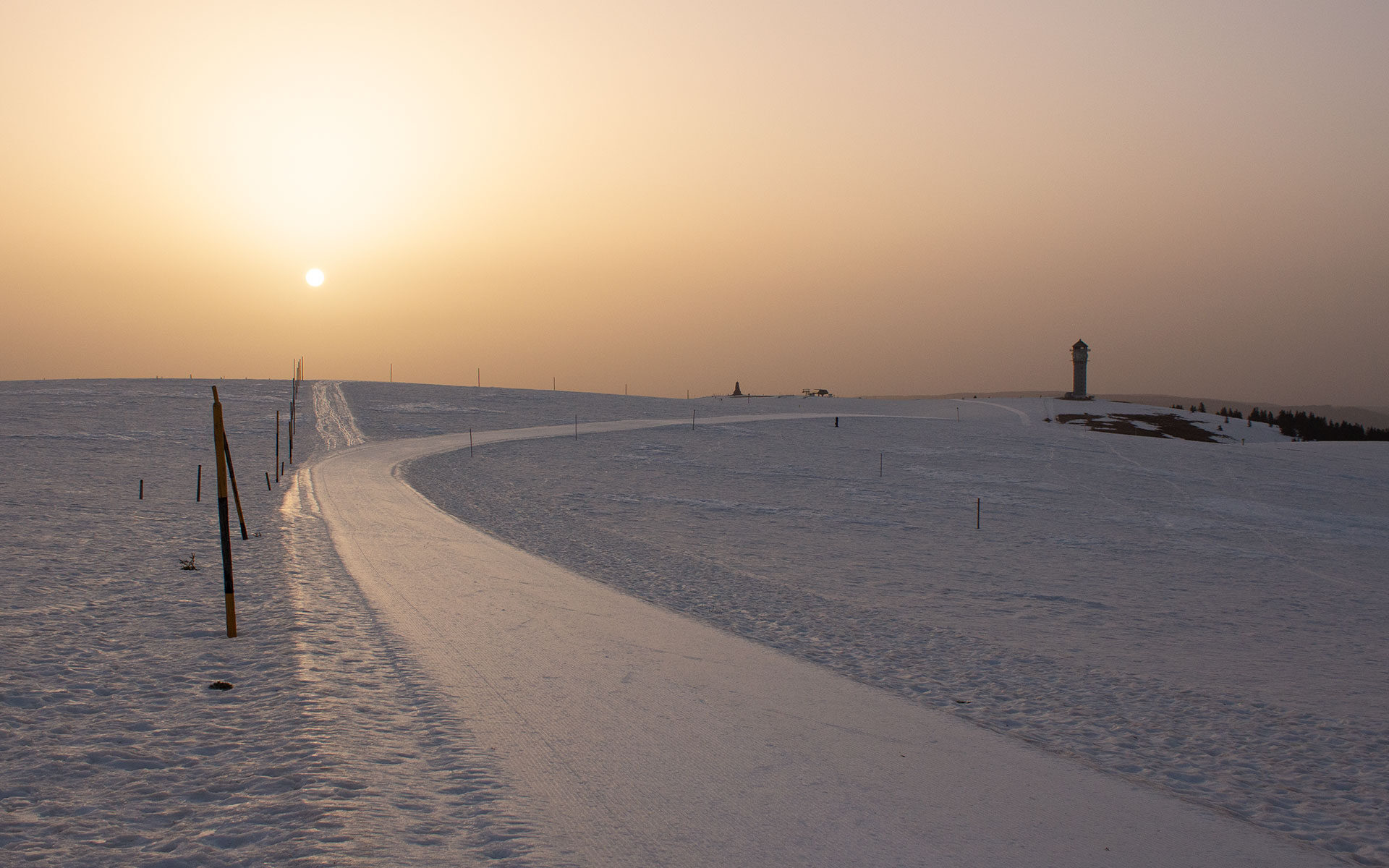 Sonnenaufgang am Feldberggipfel